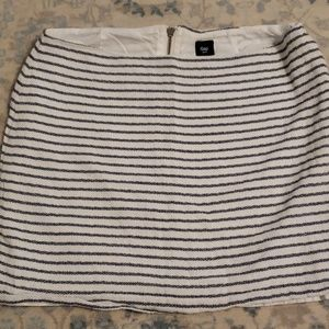 Gap navy and cream striped skirt